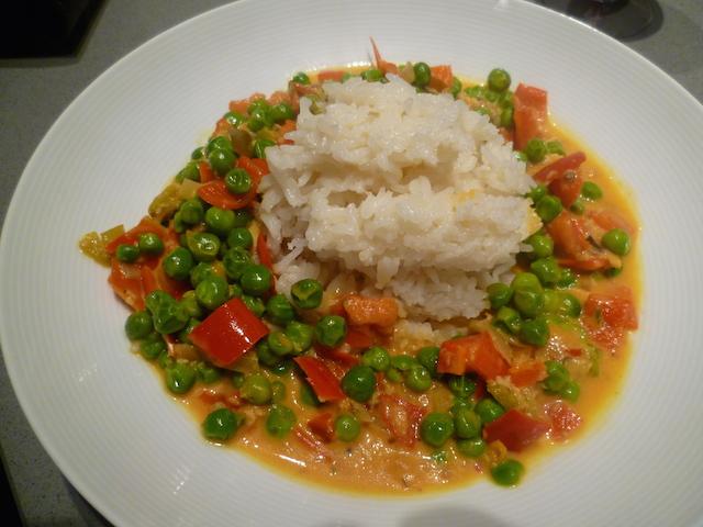 Hete veggie curry met erwtjes
