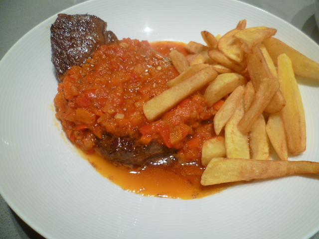 Steak met pittige provencaalse saus