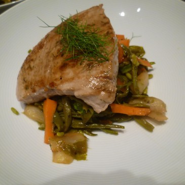 Gegrilde tonijn met oosters bereide groenten