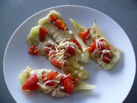 Paprika met half zongedroogde tomaat en raspkaas